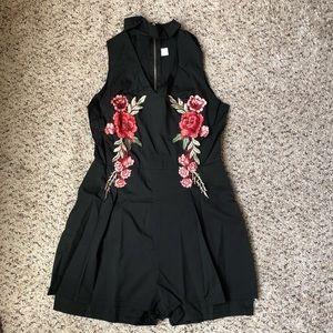 Dresses - Elegant V Neck Rose Floral Embroidery Black Romper